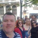 ФОТО: Во Бутел владее хаос, а градоначалникот си прави европска турнеа