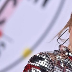 Парите не можат да купат здравје: Тејлор Свифт ѝ напиша емотивна песна на својата мајка која по вторпат се бори со ракот