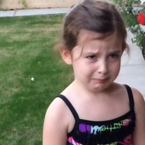 Најслатките солзи и урнебесни реакции: Дечиња дознаваат дека ќе добијат брат или сестра, но тоа воопшто не им се допаѓа