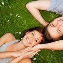 12 знаци дека тој сака да му бидете нешто повеќе од пријателка