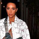Ја нарекуваат модна икона, а таа е модна катастрофа: Наградата за промашување на годината е во рацете на Кардашијан