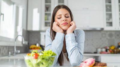 Како да препознаете емоционално прејадување?