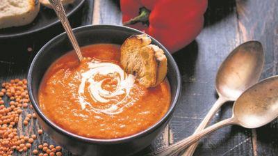 Фина крем супа од пиперка која ќе ги разбуди вашите сетила!