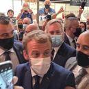 ВИДЕО: Макрон погоден со јајце во глава- еве што кажа претседателот