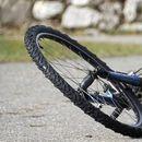 Прегазил малолетничка на велосипед и побегнал – полицијата трага по возачот
