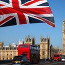 Велика Британија со план да ги врати учениците во училиштата на 8-ми март
