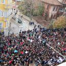 Албанија пред граѓанска војна: Mожно е Мета да го распушти Парламентот