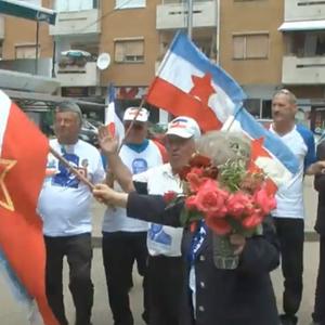 (ВИДЕО) Македонци со песни и ора го прославуваат југословенскиот празник – Ден на младоста