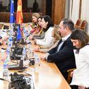 Независните пратеници се сретнаа со Вархеји: Потребни се добри закони, а не политички договори
