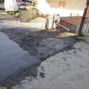 Во Кочани асфалтирале улица, па го украле бетонот