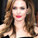 Анџелина Џоли е во врска со нејзина колешка, еве како изгледа