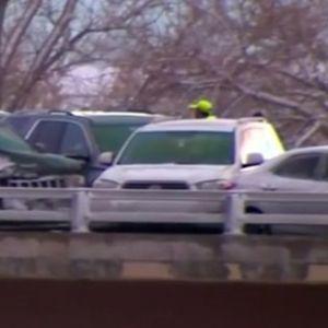 Четириесет и девет автомобили се судрија крај Денвер (видео)