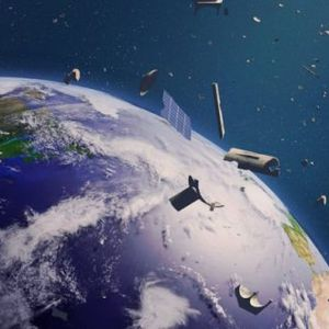 Вселенска сезона на лов: Со харпун против вселенскиот отпад!