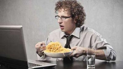 Која храна го спречува штетното влијание од мобилните уреди?!