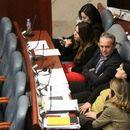 Независните пратници од ВМРО-ДПМНЕ побараа оставка од Мицкоски