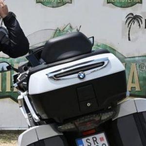 ВИДЕО: Заев во Преспа пристигна со мотор