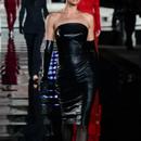 Ирина Шајк се врати на модната писта по раскинувањето со Бредли Купер