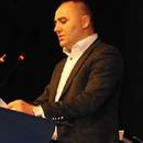 Усеини од ДУИ бара новинарите да го остават на мира за дивоградбата во центарот на Охрид
