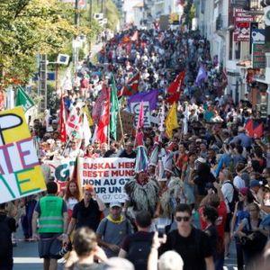Десетици илјади антиглобалисти се собраа против Г7