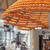 Џиновски соковник ја користи лушпата од портокали за од неа да испечати чаши