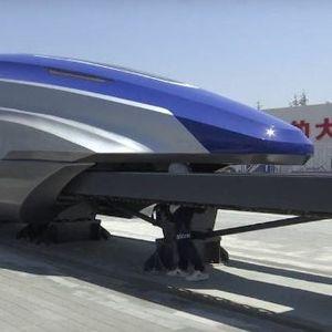 """(Видео) Најбрзиот воз во светот: Кинеската """"молња"""" побрза од јапонскиот """"куршум"""""""