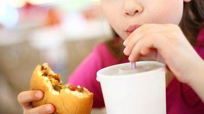 Децата единци имаат 7 пати поголем ризик од прекумерна телесна тежина