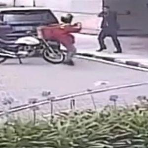 Телохранител застана пред куршум и спаси жена
