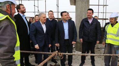 Премиерот Заев: Обезбедуваме светски инфраструктурни стандарди во индустриски зони за инвеститорите