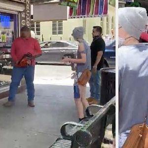 Тексас: Маж со моторна пила брка демонстранти
