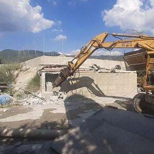Дивоградба се руши и кај касарната во Охрид