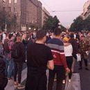 Протест во Белград против најавените мерки (ВИДЕО)