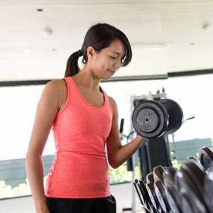 Јапонски експерт за слабеење: Вежба која ги отстранува маснотиите и лечи болка!