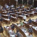 Законите за основно и средно образование за уредување на работењето во услови на вонредни околности на собраниска седница