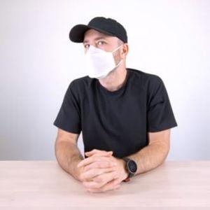 Епл направи заштитна маска: Таа не е за телефони, туку штити од корона