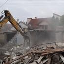 Се уриваат објектите на трасата за продолжување на булеварот АСНОМ (ФОТО)