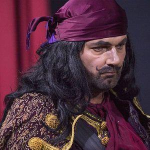Mandu je otac izbacio iz kuće, spavao je u pozorištu, a poslednji dah ostavio na sceni