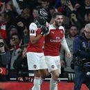 Унищожителен Арсенал разкъса Рен на парчета и продължи напред
