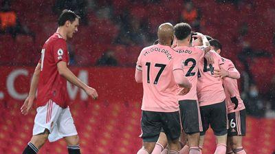 """Манчестър Юнайтед се сгромоляса с гръм и трясък срещу последния насред """"Олд Трафорд"""""""