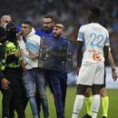Сериозно напрежение по трибуните и на терена на Марсилия - ПСЖ (снимки)