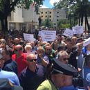 Протести и судири со полицијата во Тирана
