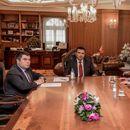 Граѓаните имаат право да се изјаснат на референдум, порачал Заев на средбата со Мицкоски