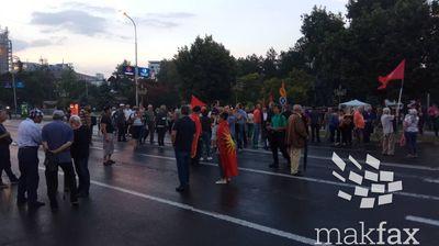 """""""Македонија-Блокира"""": Марионетската власт е уплашена штом ги спречува нашите блокади со полициска интервенција"""