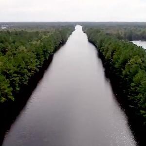 (Видео) Автопат изгледа како река, по силното невреме во Северна Каролина