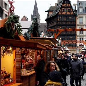Божиќниот панаѓур во Стразбур повторно отворен по нападот