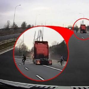 """(Видео) Двајца Полјаци во последен момент побегнаа од своето возило, пред да го """"разнесе"""" камион во полна брзина"""