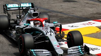Хамилтон супериорно до пол-позицијата во Монако, ново фијаско за Ферари