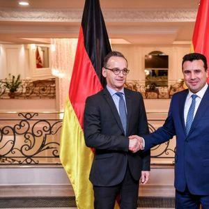 Заев-Мас: Да се изнајде начин што побрзо до позитивна одлука за Северна Македонија