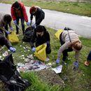 Администрацијата чистеше во Скопје, отстранети и импровизираните објекти од кејот на Вардар