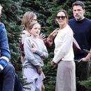 Џенифер Гарнер и Бен Афлек купуваат новогодишната елка заедно со децата
