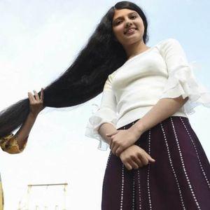 Вистинска Златокоса: Тинејџерка од Индија ја има најдолгата коса во светот